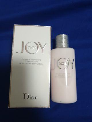 🚚 Dior Moisturizing Perfume Body Lotion 200ml