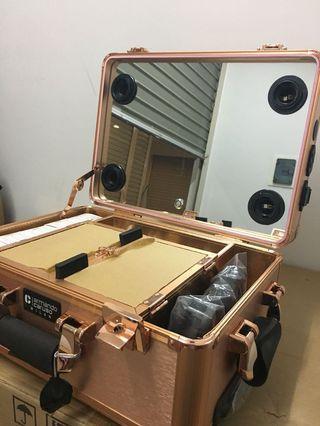 Koper makeup Armando caruso dengan speaker bluetooth