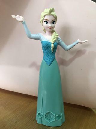 Elsa figuring (from playdoh set)