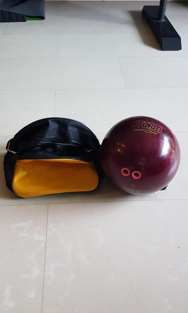 10lbs bowling ball + bag