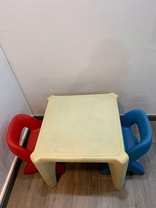 Toddler table and chaira