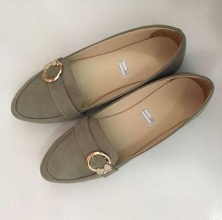 Flat Shoes Cream