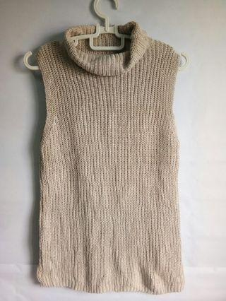 Knitted Sleeveless Top
