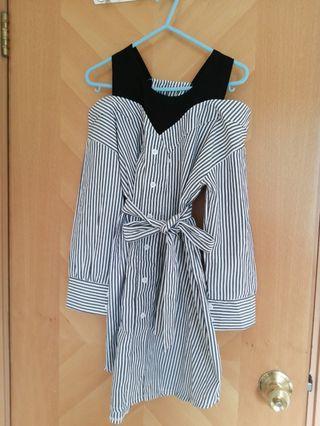 Stripes shoulder dress