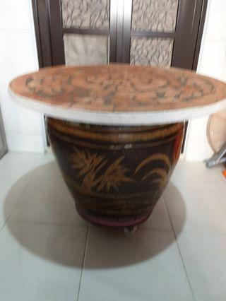 Big flower pot wtih stone top