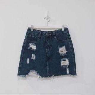 🚚 Distressed Medium Wash Classic Denim Skirt