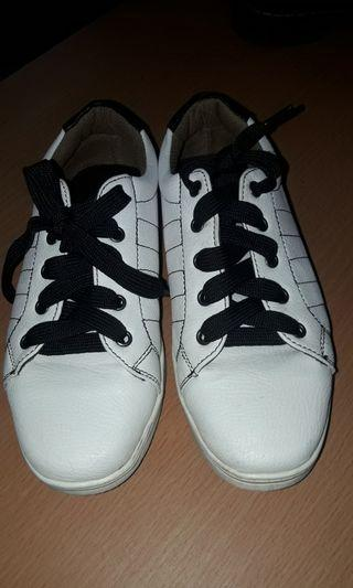 Preloved White Leather Sneakers