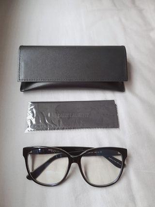 ysl 聖羅蘭 大框平光眼鏡 側邊有經典的ysl金屬logo 非常時尚好看 歐元198 售4280 男女適戴 #princeh全賣場同步 只有1