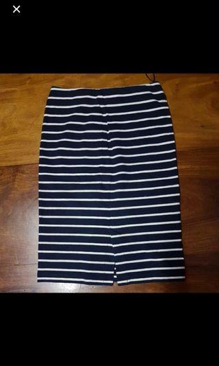 Uniqlo Blue and White Pencil Skirt