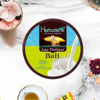Milk Extract plus Whitening Body Scrub from Bali