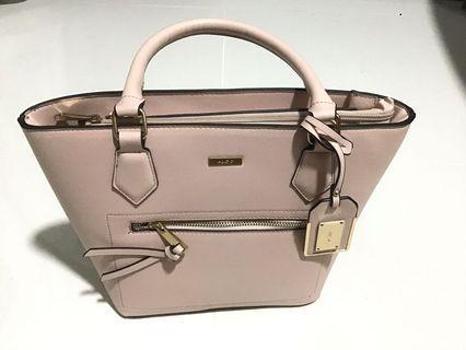 🚚 Aldo Handbag - Like new, Light pink