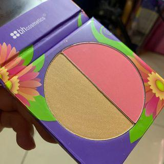 Daisy Floral Blush Duo