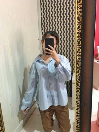 Oversize baby blue shirt