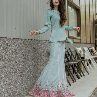 Lily Petuna Kaitlyn Kurung Set In Turquoise