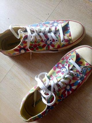 Converse All Star Chuck Taylor Classic Low Sepatu Asli Flower Sneakers Unisex Size 42 Jual