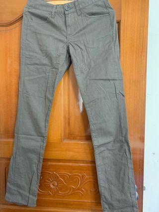 🚚 GIORDANO pants