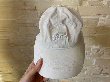 Stussy白色帽子