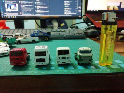 Preloved Tomica head lorry