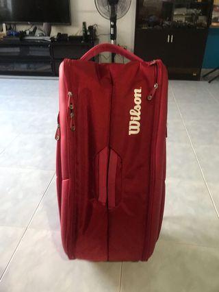 Wilson 12 rackets bag ( Roger Federer signature )