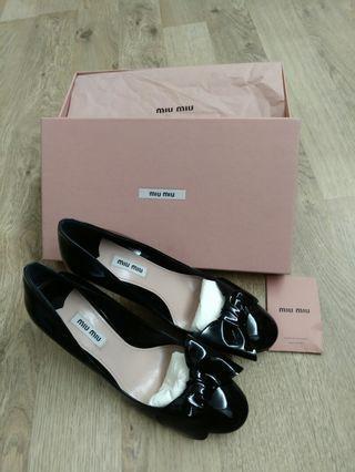 Miu Miu black shoes黑鞋底(Size: 39)