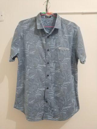 Light blue leaves patterned shirt 淺藍色 葉片圖案 恤衫