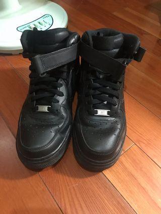 🚚 Nike Air Force 全黑高筒