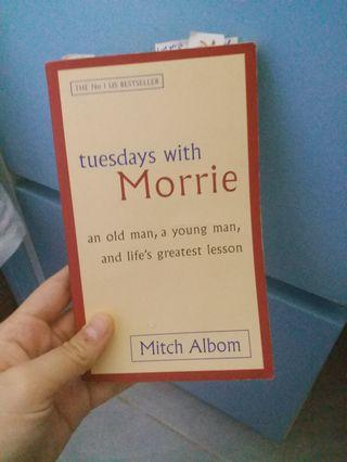 Tuesdays with Morrie👧🏻