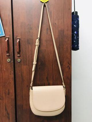 VINCCI SLING BAG (RM75)