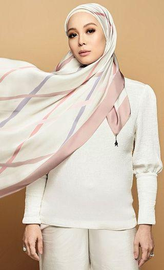 Duck Blurred Lines Shawl - The Anniversary Edition In Ispahan