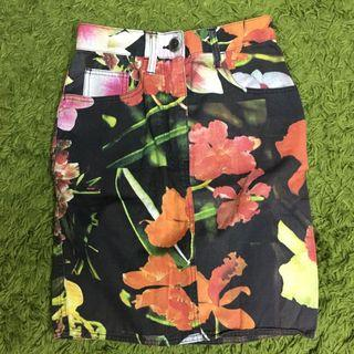 🚚 Moschino Jeans Skirt AUTHENTIC tropical orchid flower nature prints