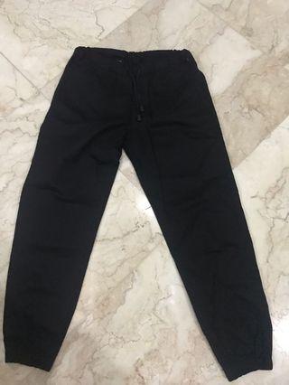 Jogger pants celana panjang hitam