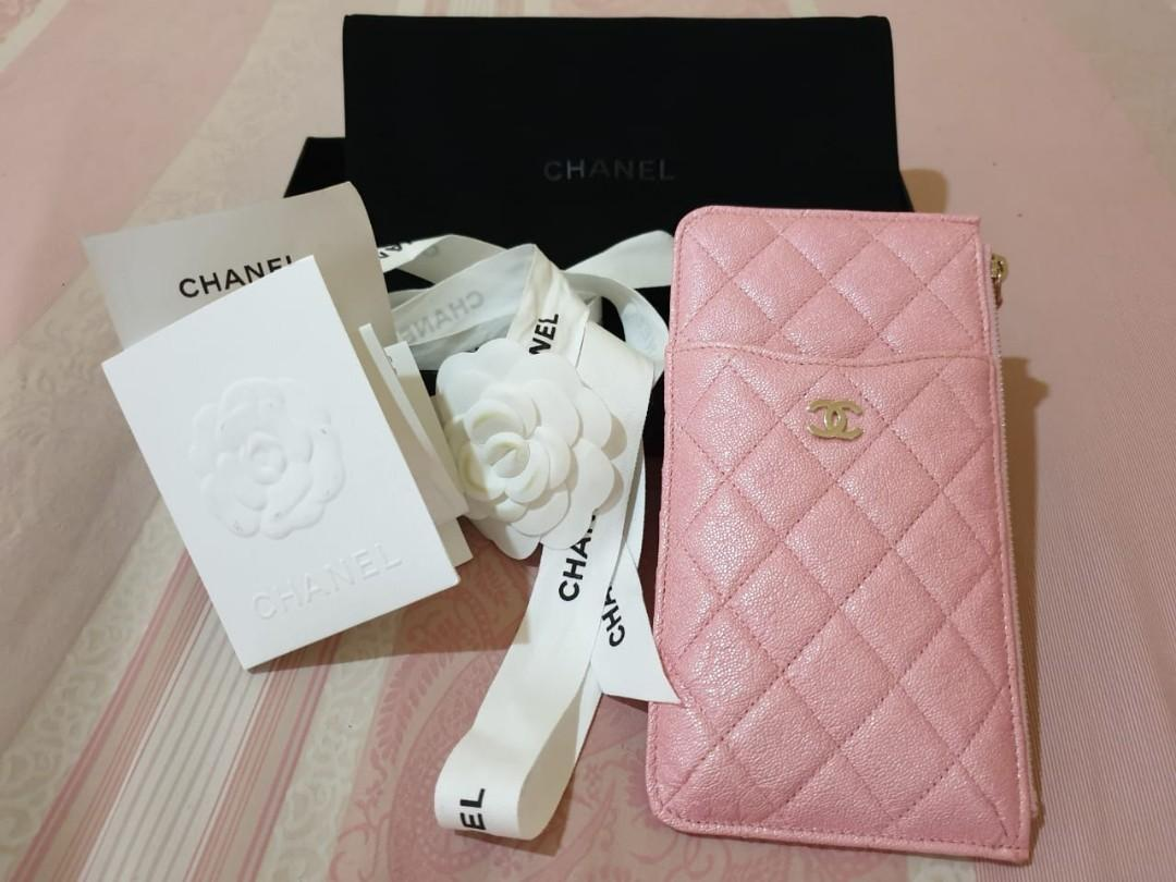 LIKE NEW Chanel Phone Pouch in Iridescent Pink. Highly sought after pink 19S season. Box, db, original receipt 😇🌸