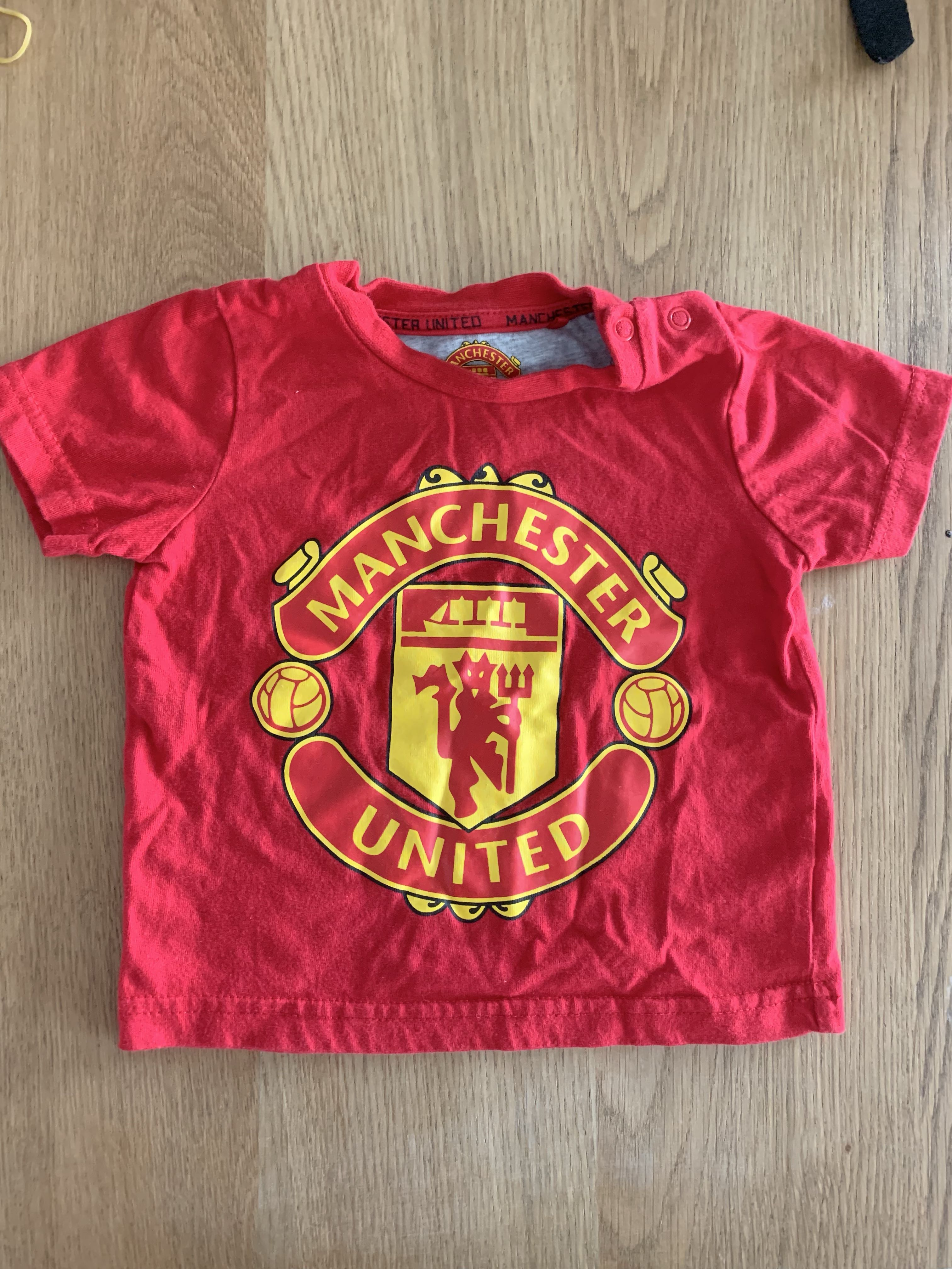 finest selection 87a66 c7e0b Manchester United baby kids t shirt, Babies & Kids, Babies ...