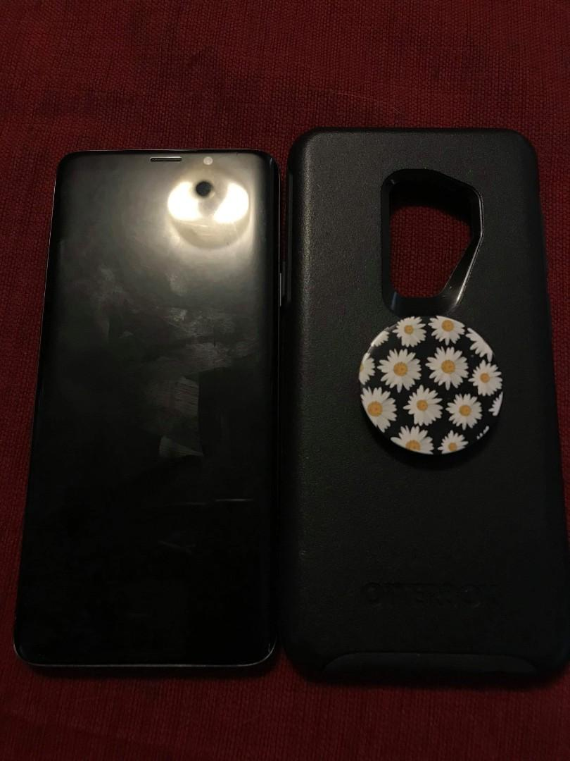 Samsung galaxy S9 plus - 6 months old. Unlocked. Like new