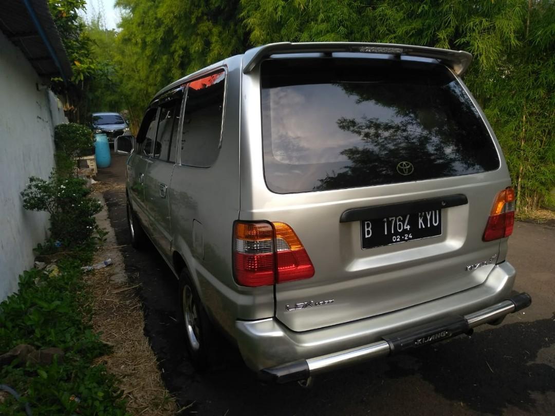 Toyota kijang LSX Long 1.8 cc tahun 2004 mobil bagus terawat pribafi