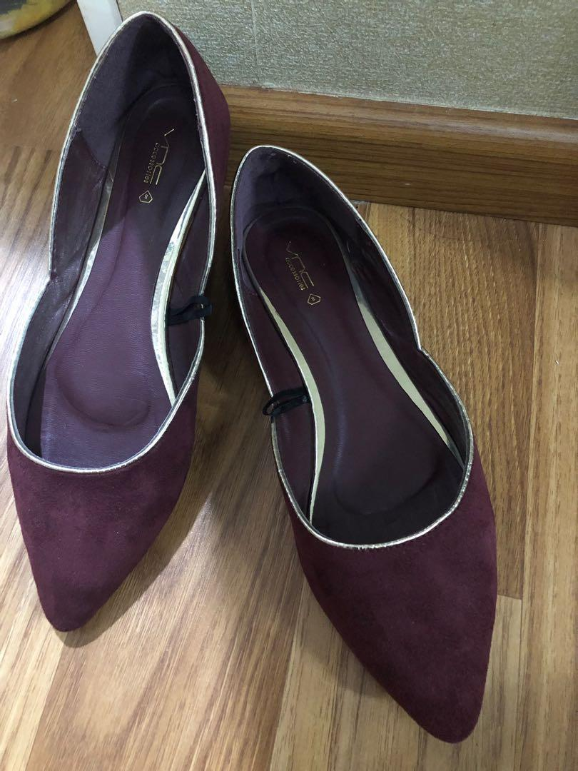 1c6bc1fdc97 VNC Maroon Shoes, Women's Fashion, Women's Shoes on Carousell