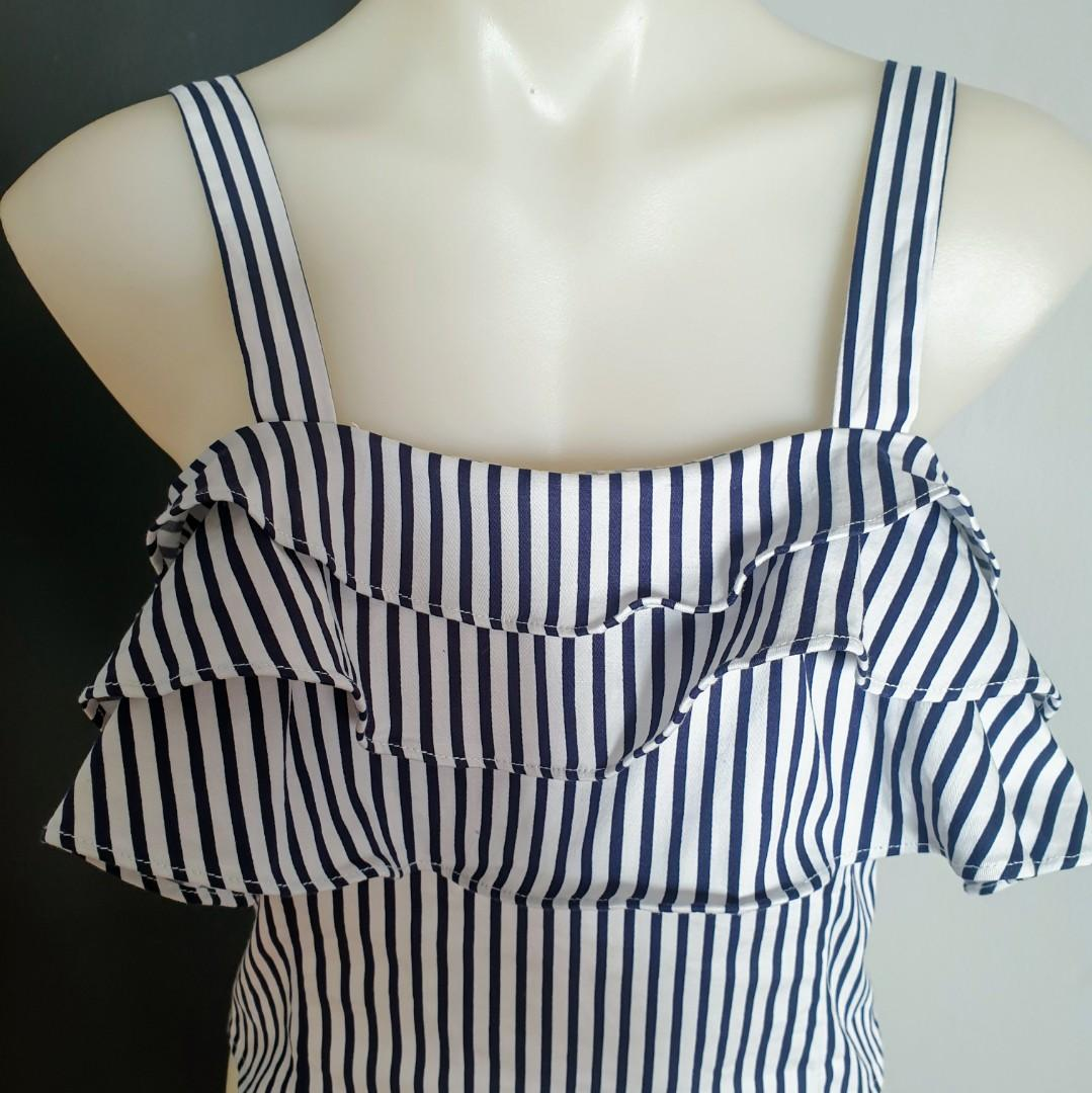 Women's size 12 'MISS VALLEY' Gorgeous white and navy striped ruffle crop top - BNWOT