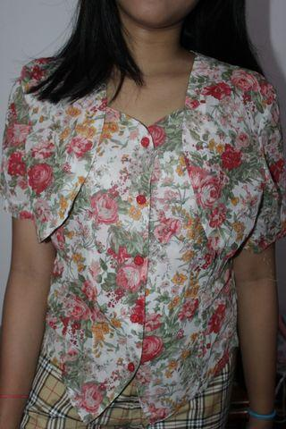 Blouse flower