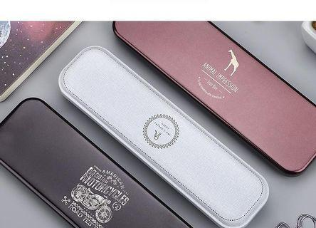 優凡簡約文藝馬頭鐵 鉛筆盒單層多功能筆盒