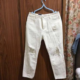 🚚 破損白褲