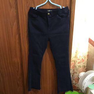 🚚 深藍色喇叭褲