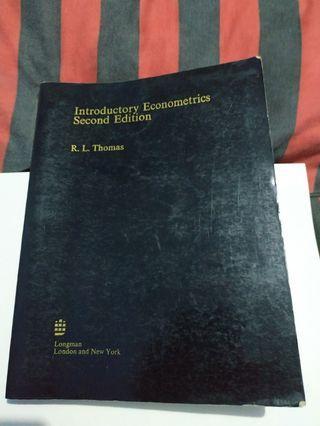 buku Introductory Econometrics Second Section by R. L. Thomas