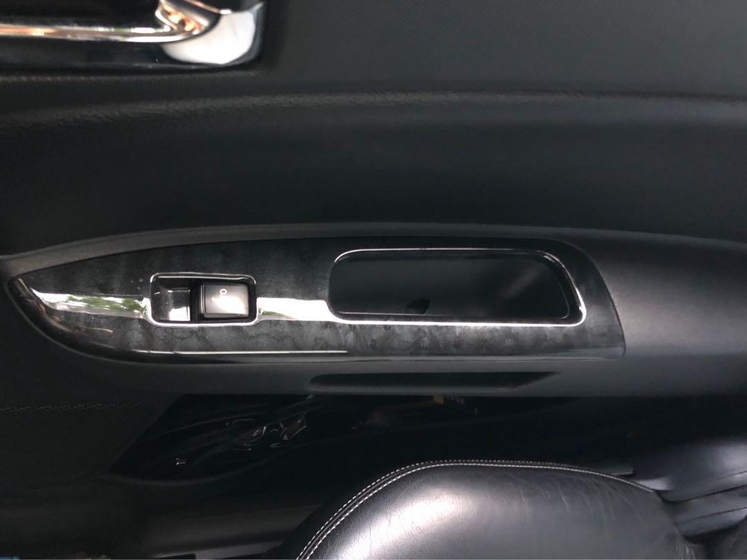 07 toyota wish black marble dashboard and and window panel