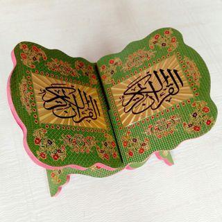 rekal.meja Qur'an hijau