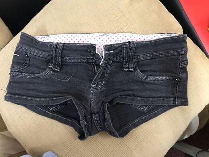 Shorts pants size 27