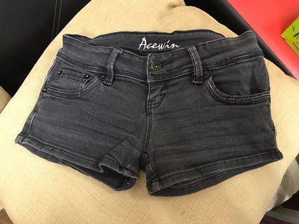 Shorts pant size 27