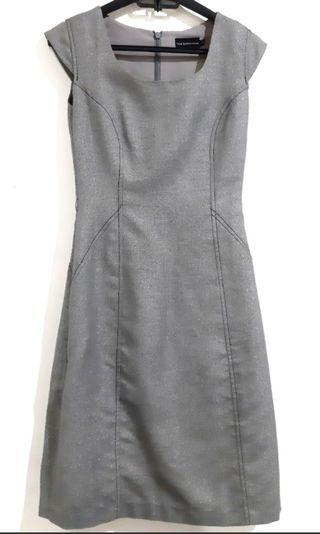 The executive dress preloved
