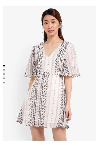 V Neck Split Sleeve Dress