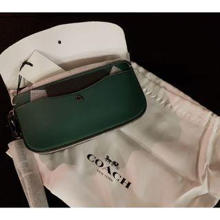 BRAND NEW Coach wristlet/clutch bag/wallet/card holder/coin purse in DEEP KAKI GREEN