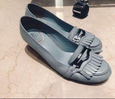 Le Saunda Ladies Size 39